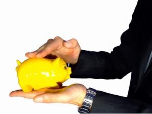 Инвестиционните фондове държат все по-малко пари на депозит