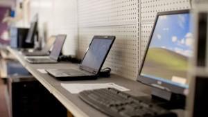 Шестгодишно дъно в продажбите на компютри